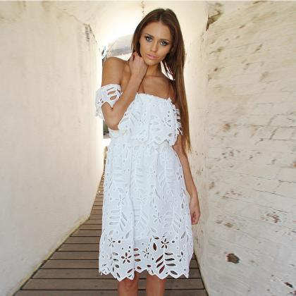 Hollow Out Strapless Lace White Dre..